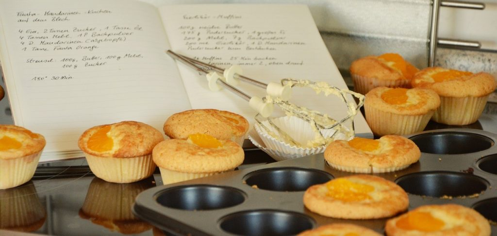 Easy ways to stretch your income by baking at home and saving money.
