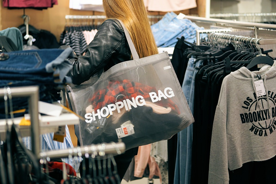 buying brand name when shopping